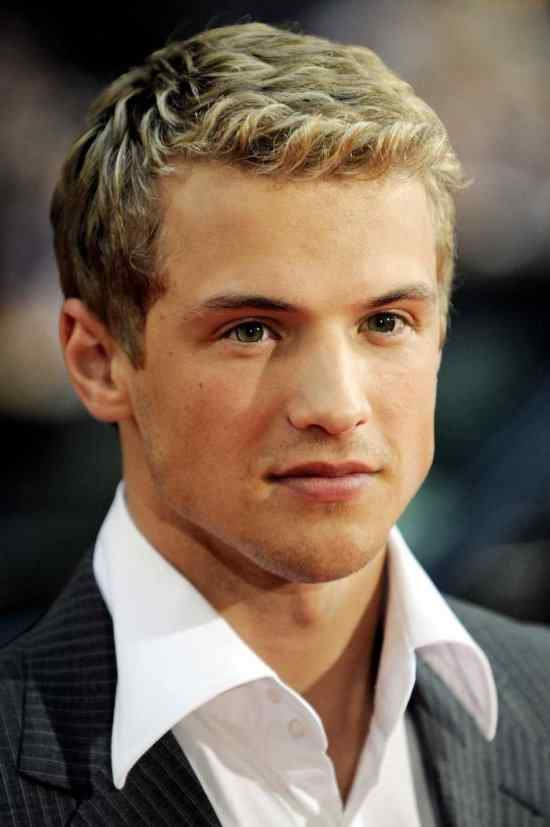 Freddie Stroma is Dickon Tarly